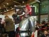 Tino cosplayt einen Ritter - sehr überzeugend!