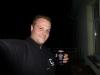Daheim angekommen prostete Ronny ein letztes Mal auf den tollen Trip mit einem von ZoZo spendierten Drink!