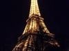 Blick auf den Eifelturm bei Nacht