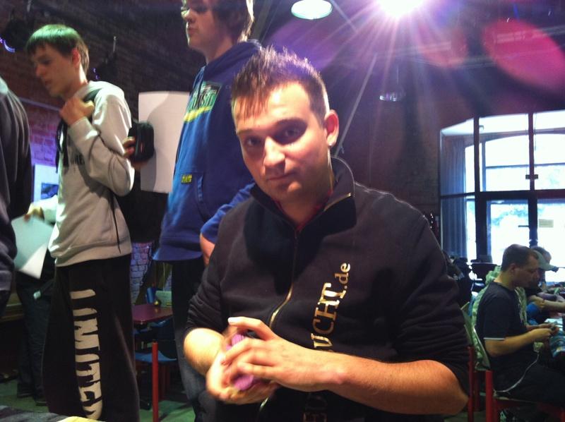 Der Titelverteidiger Roman Carballo-Perez trat mit Drazul the Molten an!